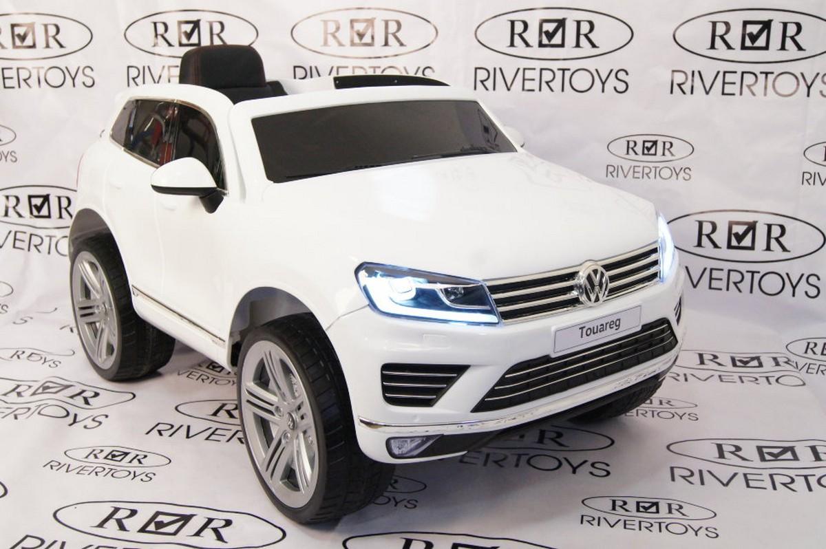 Купить Электромобиль River-Toys Volkswagen Touareg с пультом ДУ белый, Детские электромобили
