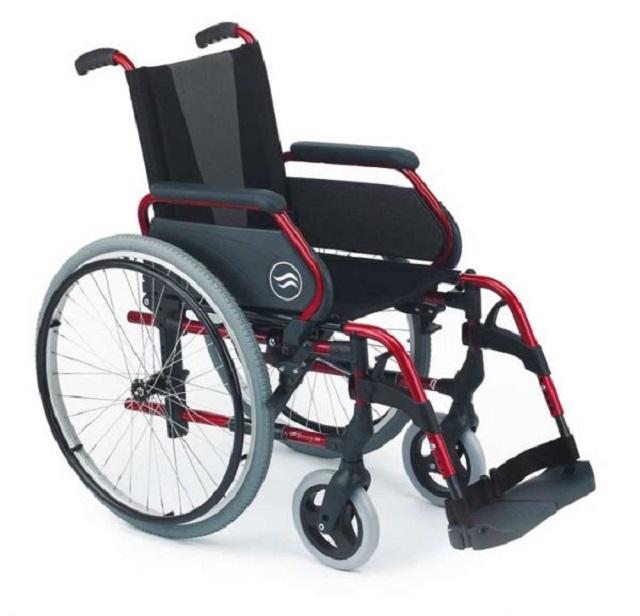Инвалидная коляска Breezy 300** (шир.37,40,43,46,49,52 см ) Titan Deutschland GmbH LY-710-300
