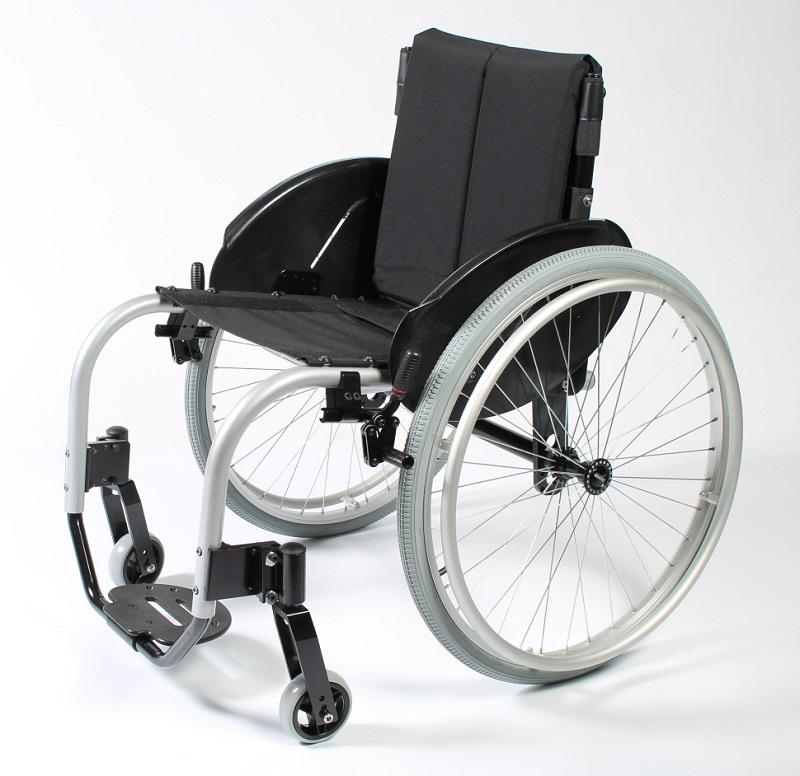Коляска инвалидная Titan Deutschland GmbH ширина сид.45 см LY-710-B2