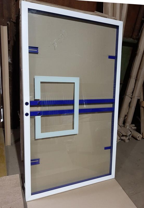 Купить Щит баскетбольный игровой 180х105см, из закаленного стекла 10мм, на металлической раме Atlet IMP-A537,