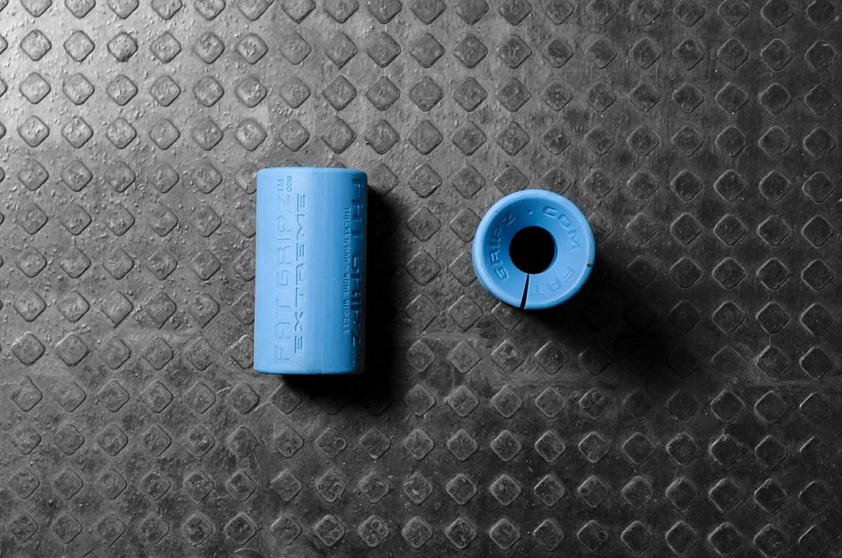 Расширитель диаметра ручки грифа YouSteel Fat Gripz, D70мм, длина 125 мм, (пара) от Дом Спорта