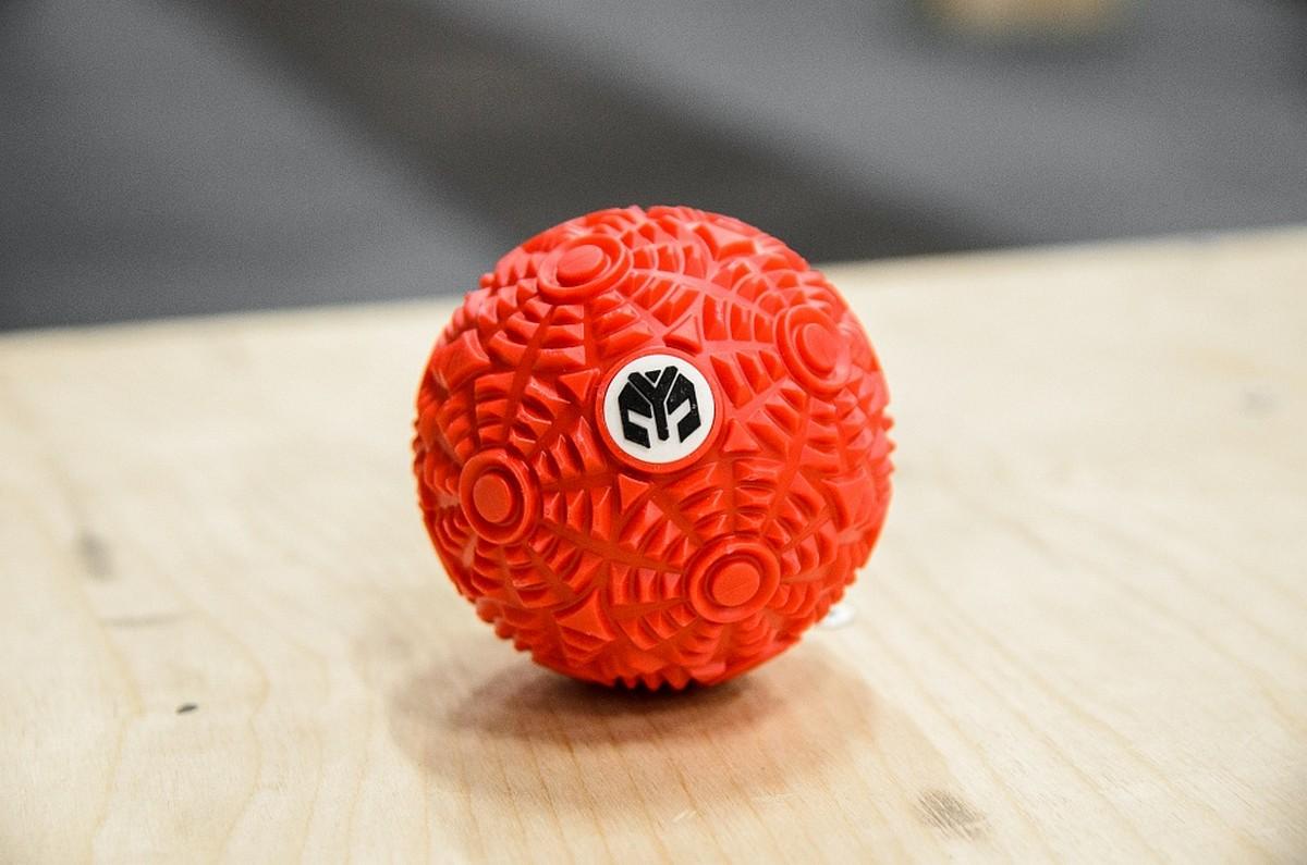 Мячик массажный рифленый YouSteel красный
