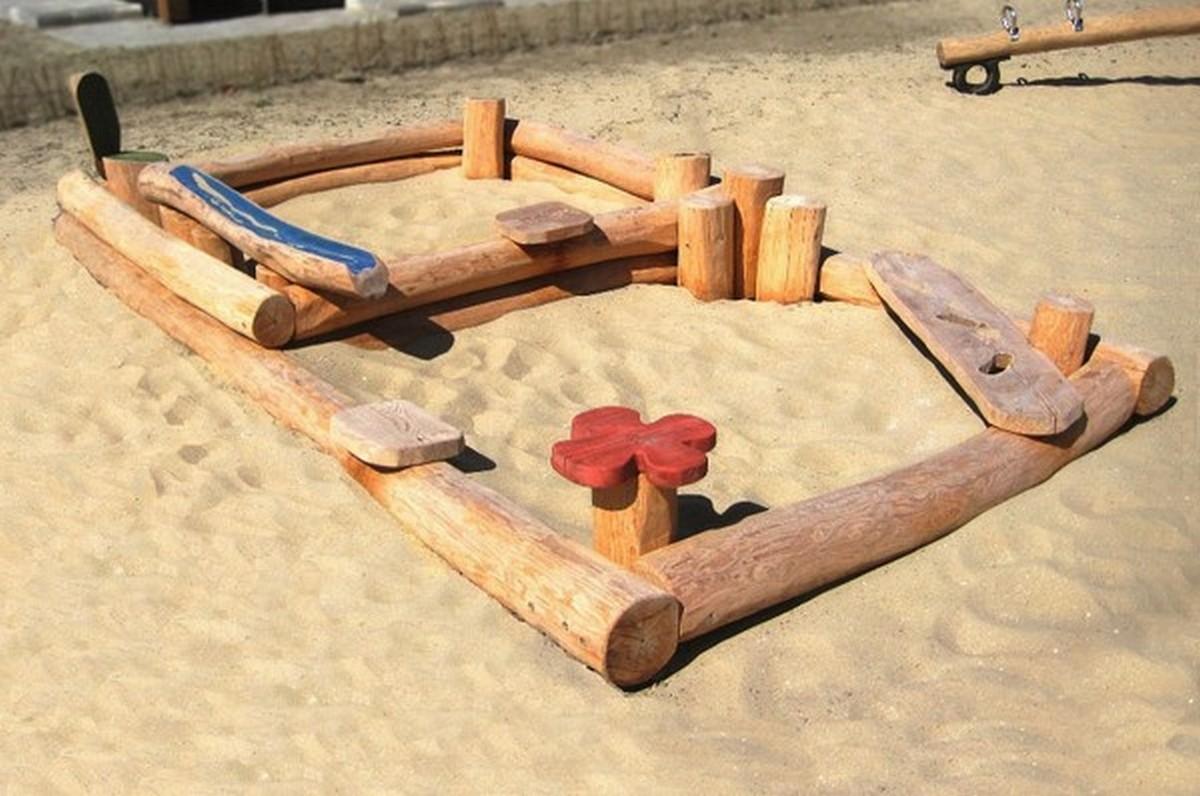 Купить Песочница с игровыми элементами Hercules 32762,